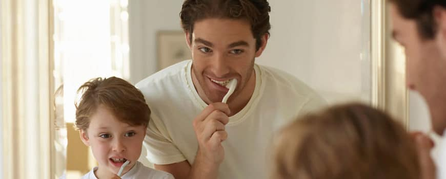 How to educate your kids to brush their teeth
